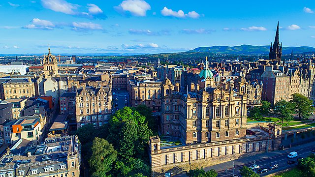 <p>Edinburgh cityscape</p>