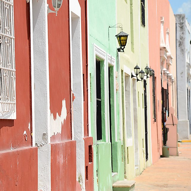 <p>Mérida, the vibrant capital of the Mexican state of Yucatán, has a rich Mayan and colonial heritage. The street are filled with colorful buildings, making it a very fun, and nostalgic walk down the streets.</p>
