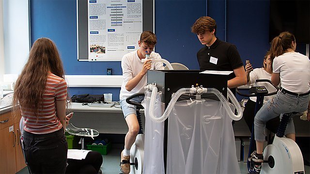 <p>Medical Physiology students</p>