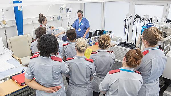<p>Exeter School of Nursing students clinical skills</p>