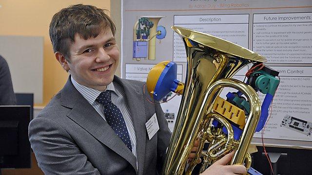 <p>Electronic tuba</p>