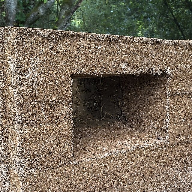 <p>An opening in a CobBauge wall</p>