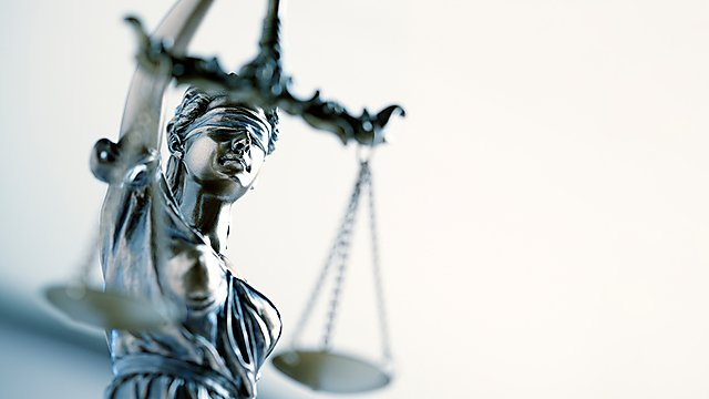 <p>Lady justice statuette</p>