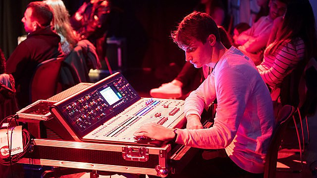 <p>BSc (Hons) Computing, Audio and Music Technology<br></p>