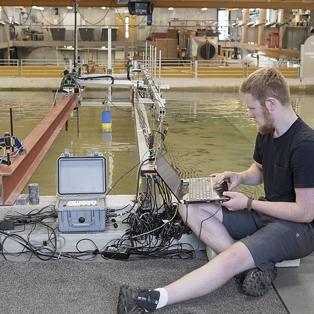 <p>Rhys Southgate, MSc Coastal Engineering student conducting research<br></p>