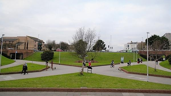 <p>North Cross Roundabout</p>