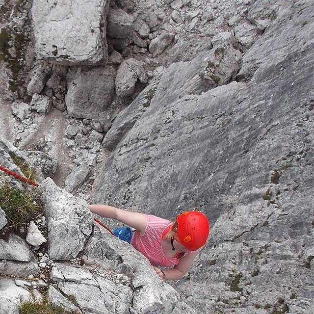 <p>Sophie Ward climbing 1</p>