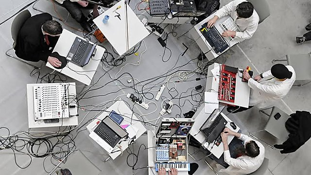 <p>Mix and collaborate with musicians&nbsp;</p><p>BSc (Hons) Computing, Audio and Music Technology<br></p>