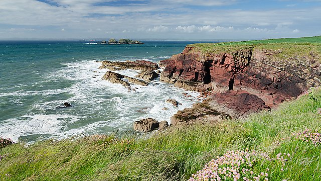 <p>Pembrokeshire Coast Path<br></p>