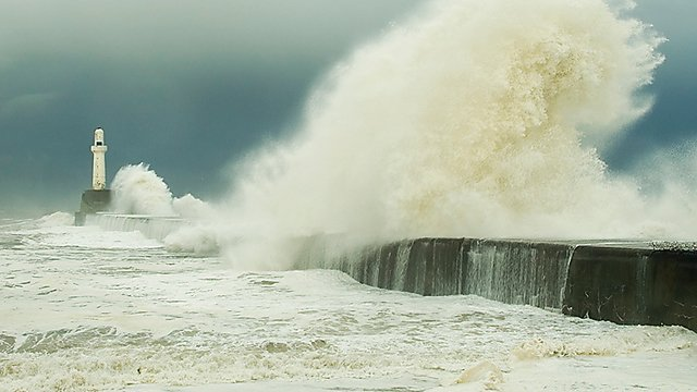 <p>UK storm and waves</p>