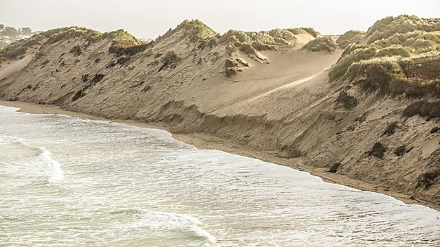 <p>Eroding dunes&nbsp;</p>