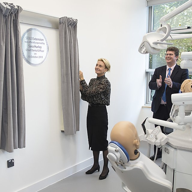 <p>Sara Hurley The NHS Chief Dental Officer unveils the plaque to open the unit.<br></p>