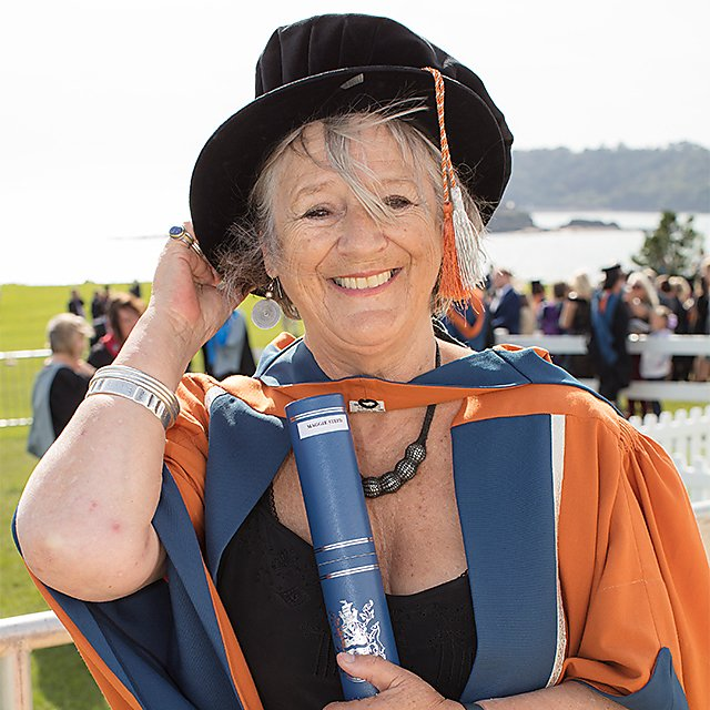 <p>Maggie Steed, honorary doctorate, 2017</p>