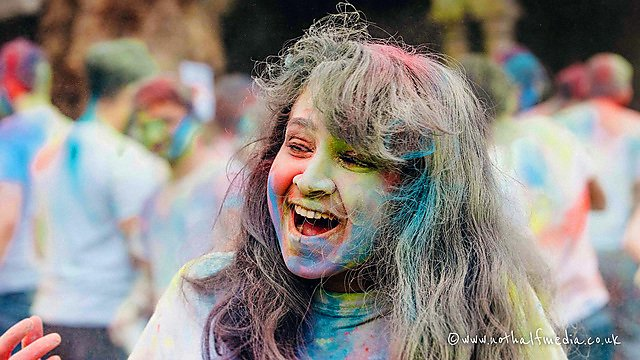 <p>  Sumalka Mendis – Holi festival   <br></p>