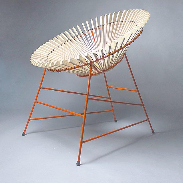 <p>Hue Evans chair light</p>