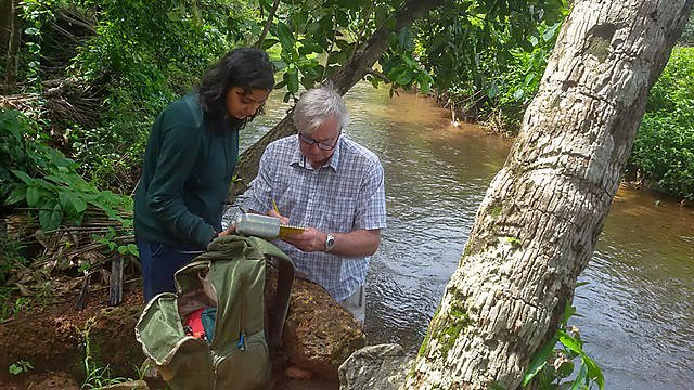 <p>Collecting water quality parameters at a freshwater crab sample site in south west India<br></p>