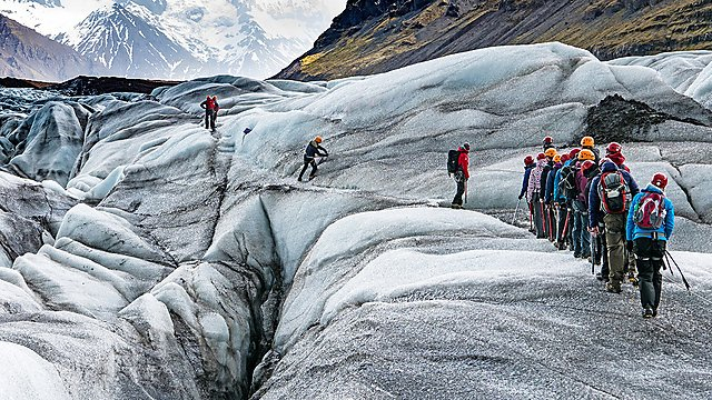 <p>Geography 50 - Glacier walking</p>