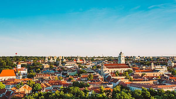 <p>Cityscape of Vilnius, Lithuania in summer.<br></p>