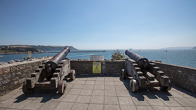 <p>Historical cannons facing Plymouth Sound.</p>