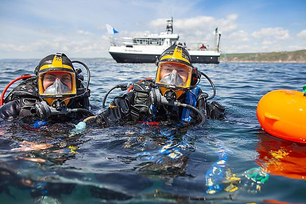 Divers from the Marine Centre
