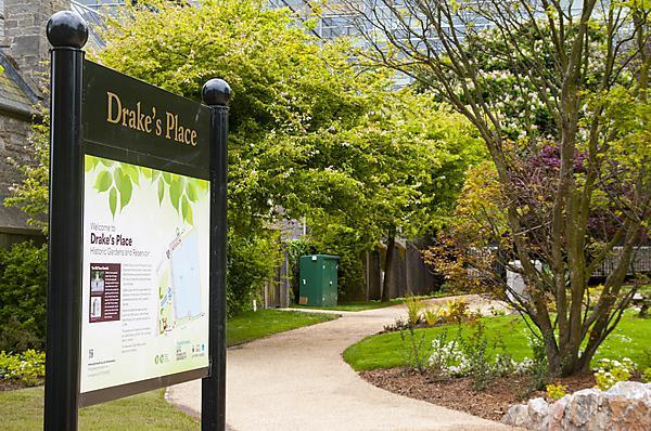 Drake's Place Gardens