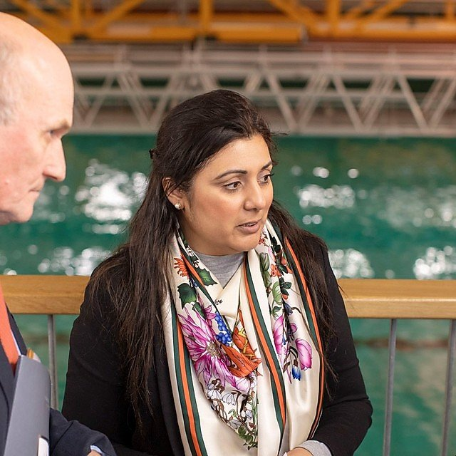 <p>Nusrat Ghani MP talks to Professor Richard Thompson OBE and Professor Deborah Greaves OBE in the COAST Laboratory</p>