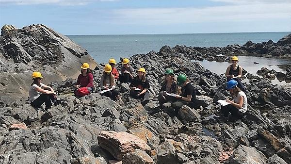 <p>Girls into Geoscience field trip 2019</p>