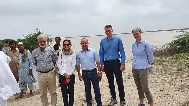 <p>Dr Emma Rendle (right) during a 2019 mission with Asian Development Bank colleagues to the Indus Delta, Pakistan (Credit Emma Rendle)<br></p>