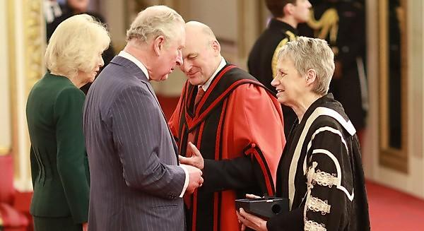 <p>Professor Judith Petts and Professor Richard Thompson receive the Queen's Anniversary Price from HRH The Prince of Wales and HRH The Duchess of Cornwall.</p>