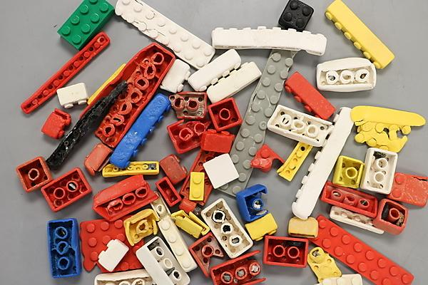 <p>Detailed analysis has estimated a LEGO brick could survive in the ocean for as many as 1,300 years (Credit Andrew Turner, University of Plymouth)<br></p>