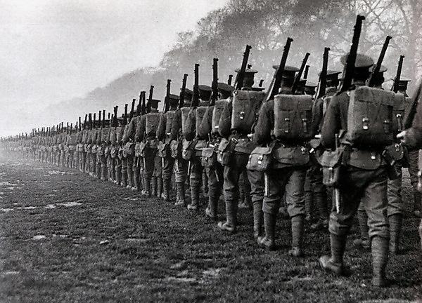 Soldiers marching to Somme (Anders/Flickr_files)