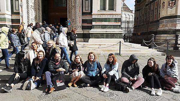 Art history students at Uffizi, Florence