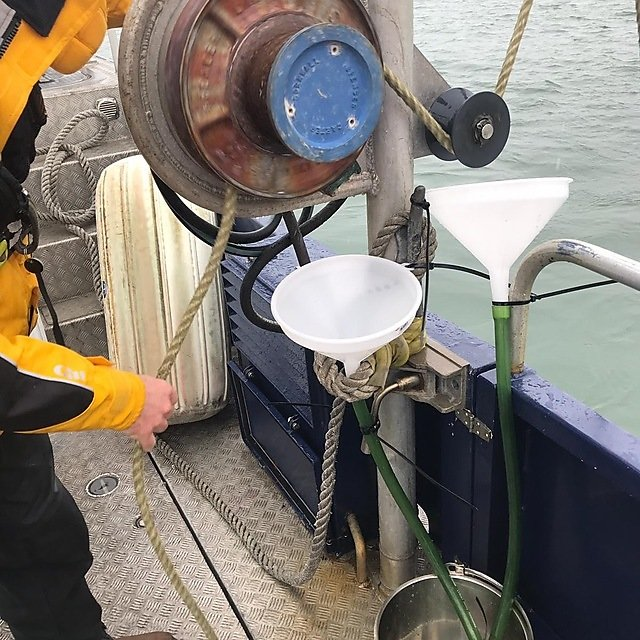 <p>Collecting synthetic rope fragments generated by mechanical hauling during maritime activities (Credit Imogen Napper, University of Plymouth)<br></p>