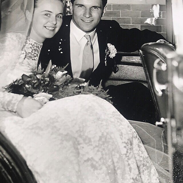 <p>Muriel and Robert Strachan on their wedding day in May 1960<br></p>