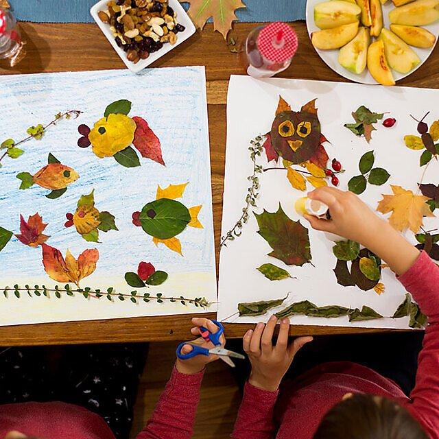 <p>Children making leaf art</p>