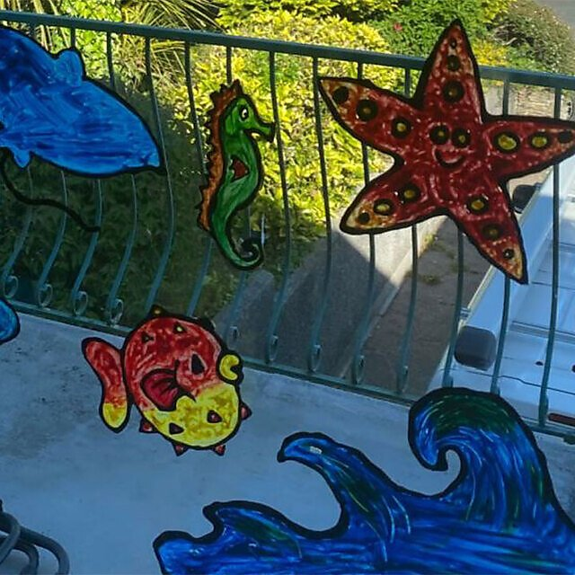 <p>Ocean themed window decals fro education</p>