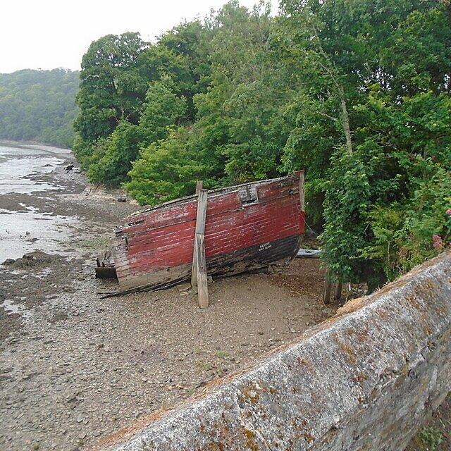 <p>Boat wreck</p>