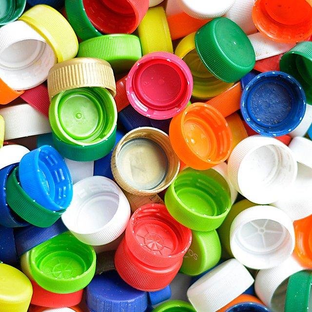 <p>Bottle caps<br></p>