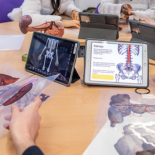 <p>Life Science Resource Centre using teaching and learning applications on Ipads<br></p>