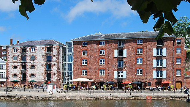 <p>Restaurants on Historic Quayside at Exeter<br></p>