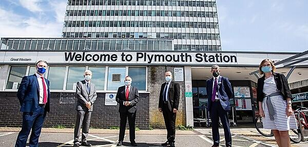 <p>Rail Minister Chris Heaton-Harris MP visits Plymouth Railway Station and Intercity Place</p>