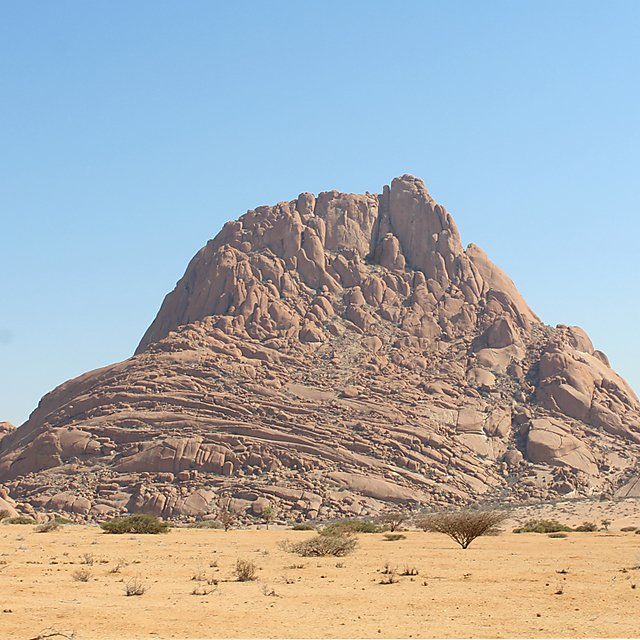 <p>The Spitzkoppe mountains in Namibia<br></p>