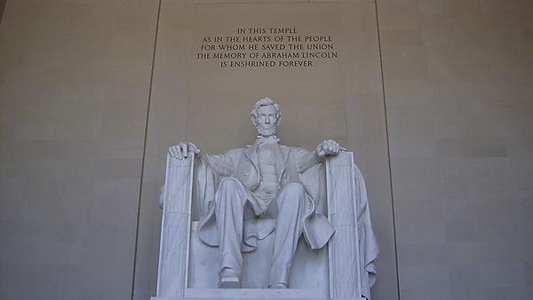 <p>Lincoln Memorial.&nbsp;Photography - Simon Topping.<br></p>