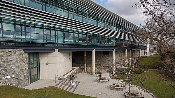 Peninsula Medical School facilities