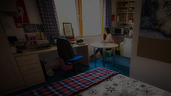 Information for students: self-isolation, symptoms and tests