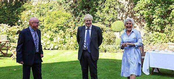 <p>Ian Sherriff with Prime Minister Boris Johnson and Angela Rippon. Picture by Andrew Parsons / No 10 Downing Street