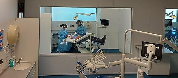 Dental school welcomes students' safe return