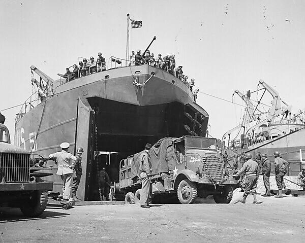 LST 51 loading at Portland Harbour ahead of the D-Day landings (Credit Hogan Family)