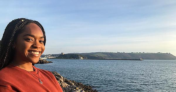 <p>Arryn on Plymouth Hoe</p>
