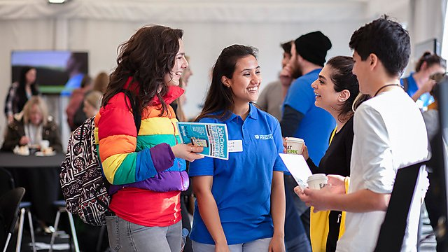 <p>International students at open day</p>